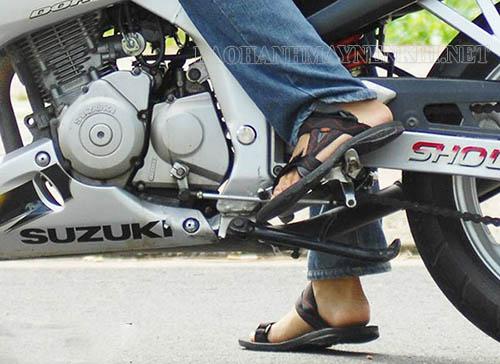 Có nhiều dấu hiệu để nhận biết xe máy bị kẹt số